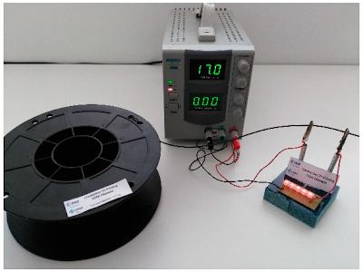 Carretel com filamento PEEK com nanocompositos eletricamente condutores.