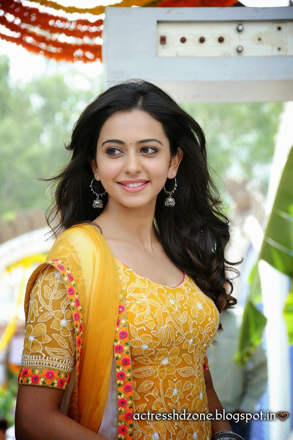 Sydindisk skuespillerinde Baggrunde I Hd Rakul Preet Singh-5406