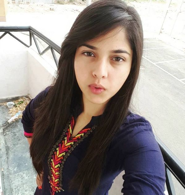 Cute Indian Teen Girls With Big Boobs (14 Photos)