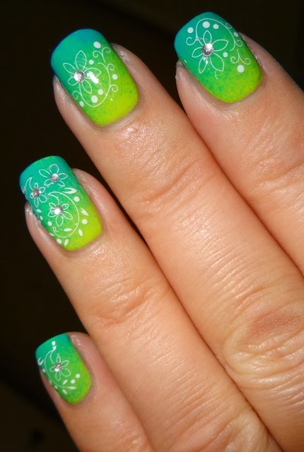 Wendy S Delights Sparkly Nails Daisy Curve Jewel Nail