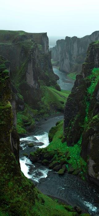 Green cliffs wallpaper