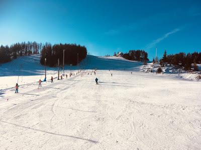 Czorsztyn Ski, góra Wdżar, trasy niebieska 2 i 7, wyciąg talerzykowy G