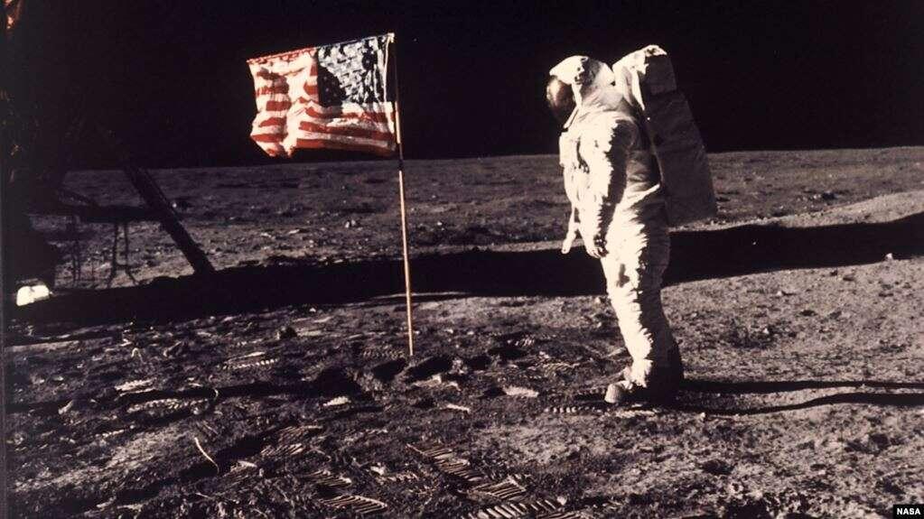 El astronauta Edwin E.