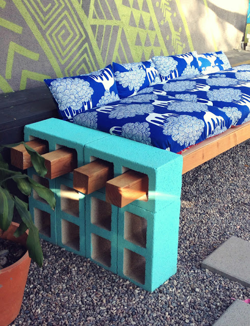 Cinder Blocks Outdoor Bench with Padding DIY Backyard Furniture