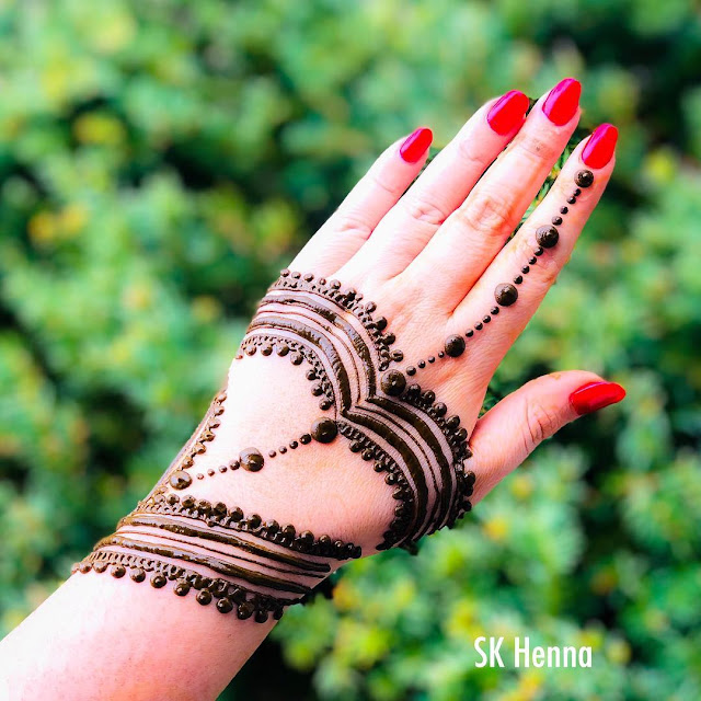 131 Simple Arabic Mehndi Designs That Will Blow Your Mind