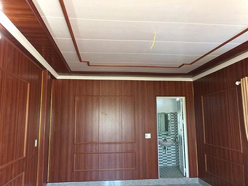 Giá ốp tường nhựa giả gỗ giá bao nhiêu tiền 1m2 2021, Vách Ngăn nhựa giả vân gỗ giá rẻ bền đẹp