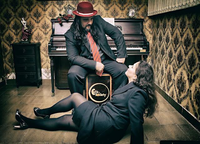 Magnólia Bar promove jantar temático com show do grupo Café Society
