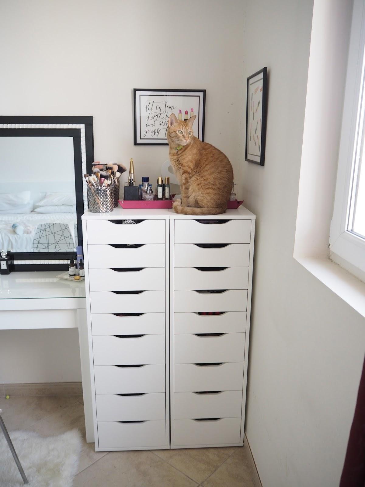 ikea alex drawer makeup vanity mugeek vidalondon. Black Bedroom Furniture Sets. Home Design Ideas