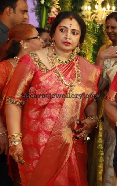 Parthiban Wife Seetha Kundan Necklace
