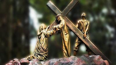 imagem de Jesus carregando a Cruz