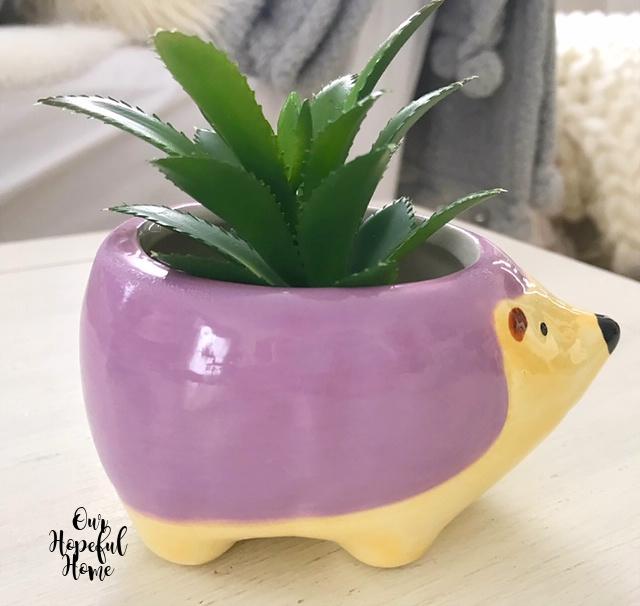 Hudson hedgehog indoor ceramic planter