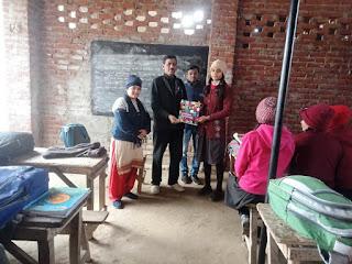 Jaunpur  ओपन क्विज कम्पटीशन में कक्षा 9 की छात्रा खुशी अव्वल