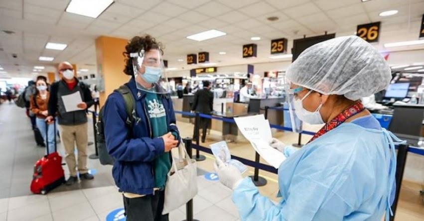 Desde mañana exigirán vacunación y prueba molecular a viajeros que ingresen al Perú (D. S. N° 152-2021-PCM)