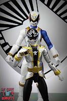Power Rangers Lightning Collection SPD Omega Ranger & Uniforce Cycle 65