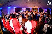 casamento em porto alegre com cerimônia na igreja nossa senhora das graças e recepção no salão por-do-sol da aabb porto alegre com decoração simples e rústica em fendi e amarelo por fernanda dutra cerimonialista de casamento em porto alegre escola de samba em casamento