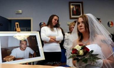 Ölülerle Evlenmek