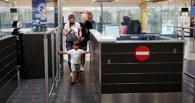 Η Κύπρος ανοίγει τα σύνορα για τους Βρετανούς που έχουν εμβολιαστεί