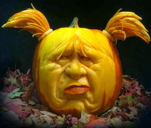 12-Halloween-The-Pumpkins-Villafane-Studios-Ray-Villafane-Sculpting-www-designstack-co