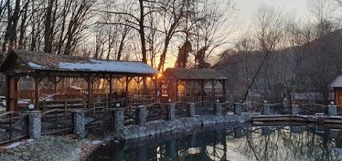Sunset and snow beads ( غروب الشمس وحبات الثلج )