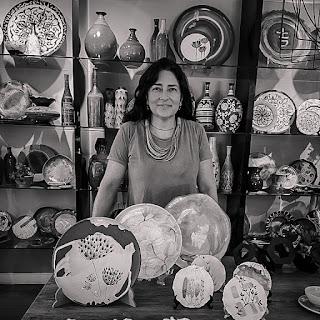 Flávia Pircher em foto pb