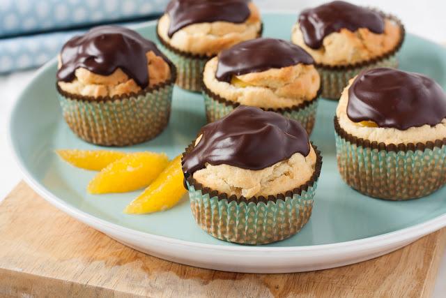 Cupcakes sa čokoladom i kremom od narandže