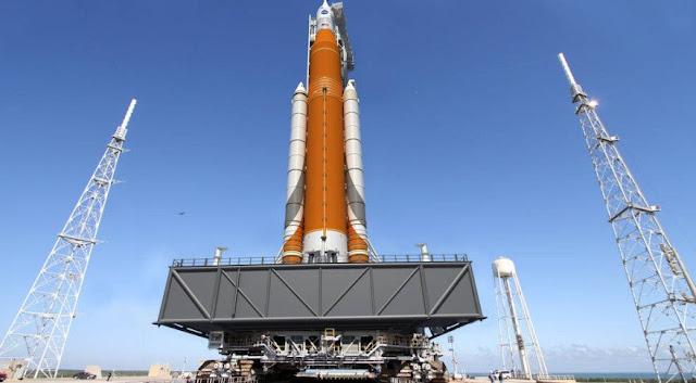 NASA SLS EM-1