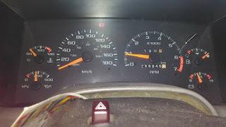 Putaran RPM naik turun saat menyalakan AC.