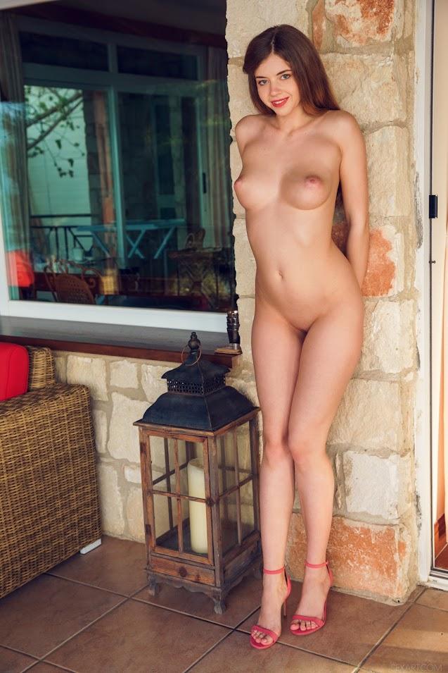 SexArt Kay J Outdoor Lounge sexart 10020