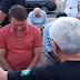 Em dia de jejum, Bolsonaro se ajoelha para receber oração em Brasília