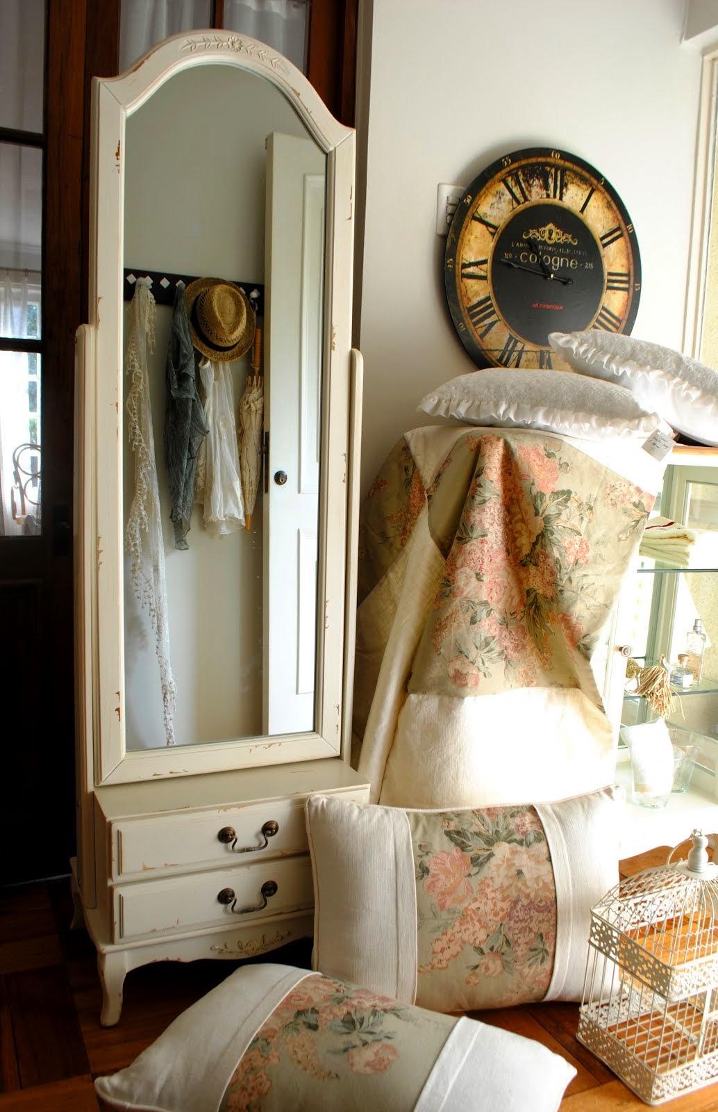 Paz montealegre decoraci n cortinas de ba o accesorios - Muebles estilo provenzal ...