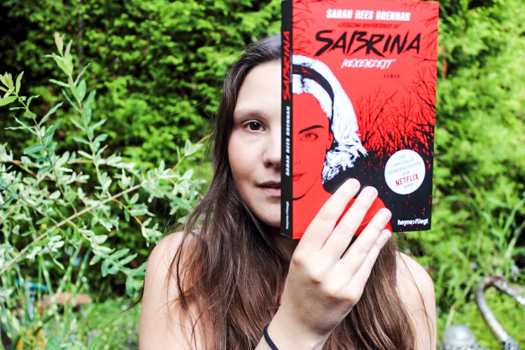 Rezension Sabrina Hexenzeit, The Chilling Adventures of Sabrina: Hexenzeit, Vorgeschichte Sabrina, Sabrina Netflix, Buchblogger