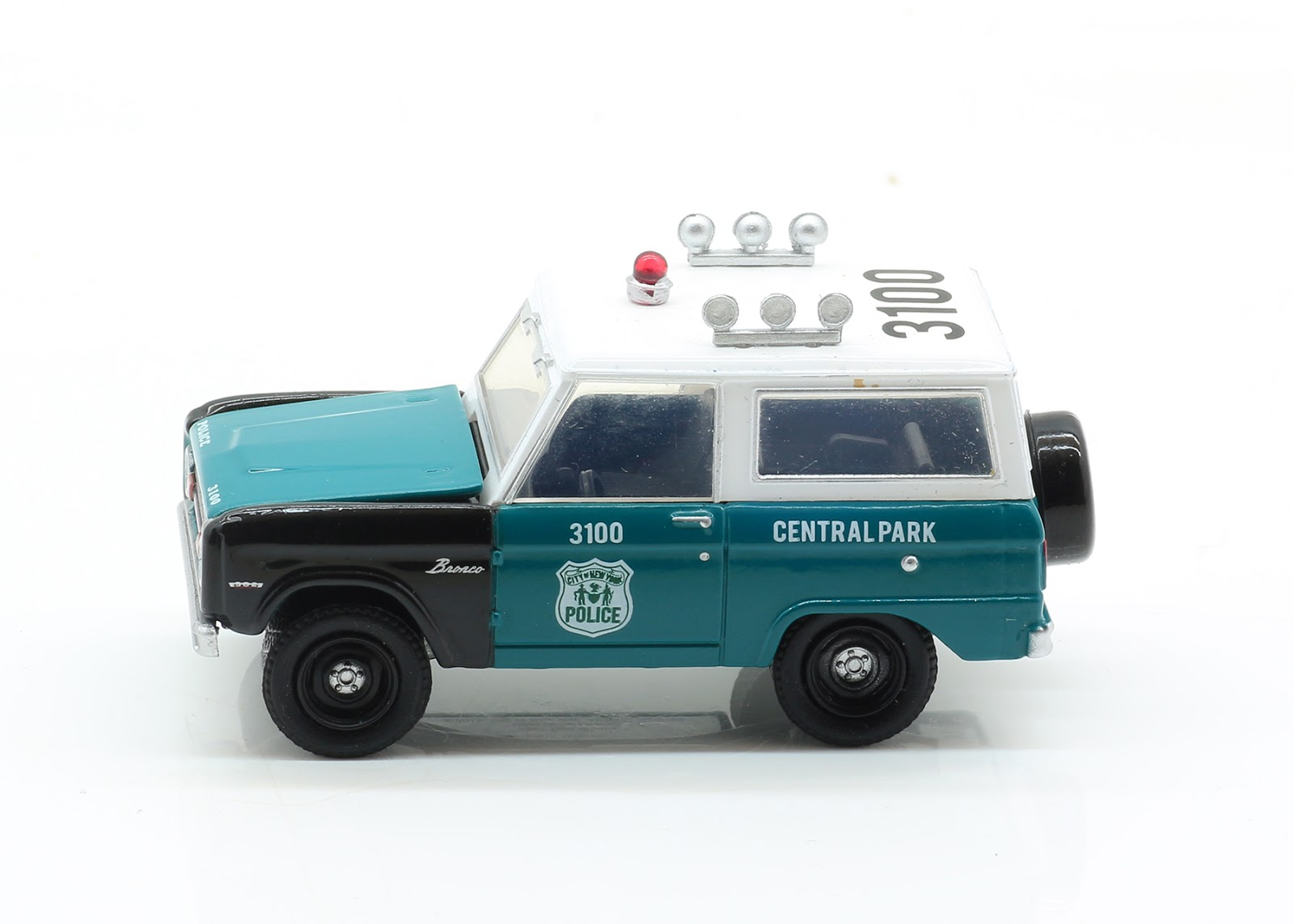 incredible mini garage ford bronco  ny police  greenlight