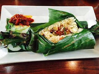 cara membuat nasi bakar teri daun kemangi