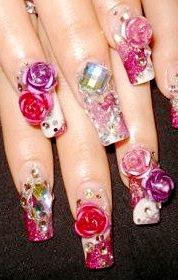 Foto de diseño de uñas con detalles acrílicos de rosas