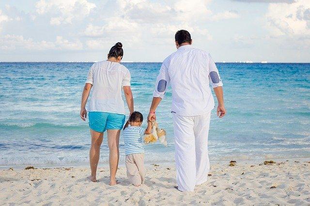 Travelling Menyenangkan Bersama Keluarga