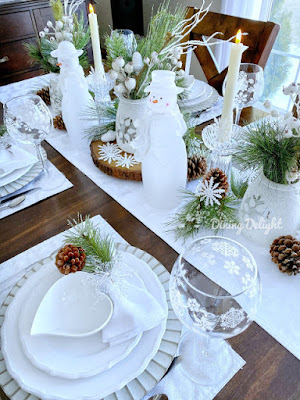 Winter Whites and Frosty Green Tablescape.