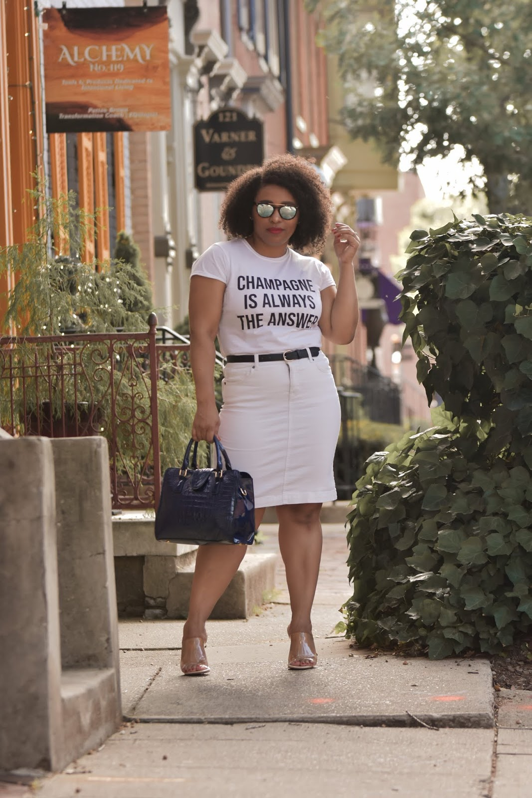 femme luxe, lux gal, femme luxe reviews, how to wear all white, all white summer outftis, how to style a graphic tee, pattys kloset