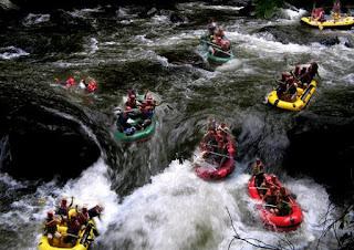 http://www.teluklove.com/2017/02/pesona-keindahan-wisata-rafting-sungai.html