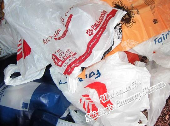 diy kitchen tips recycle plastic bags
