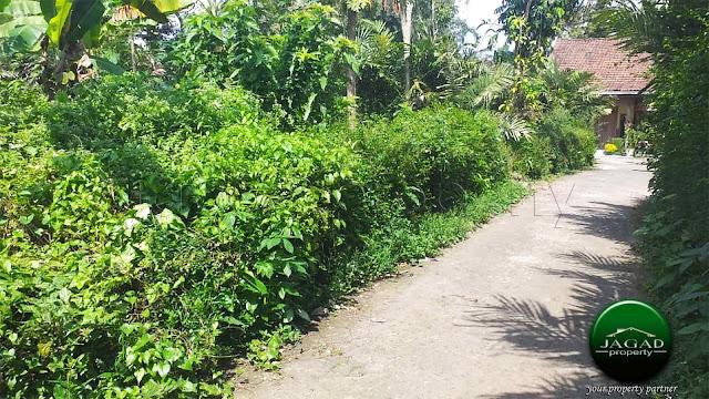 Tanah Hook jalan Palagan Km 16