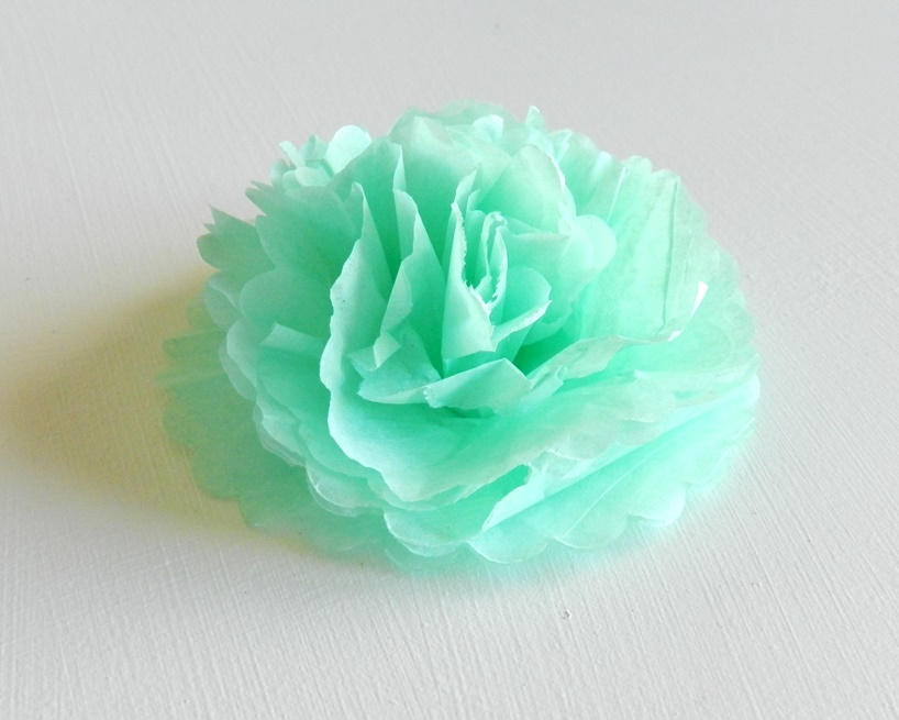 How to make mini tissue paper flowers with a flower paper punch: Grow Creative