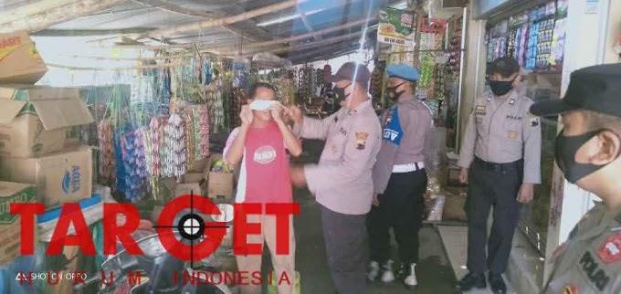 Kapolres Kudus : Team Gabungan TNI - Polri dan Satpol PP Giat Operasi Yustisi & Bagikan Masker Gratis