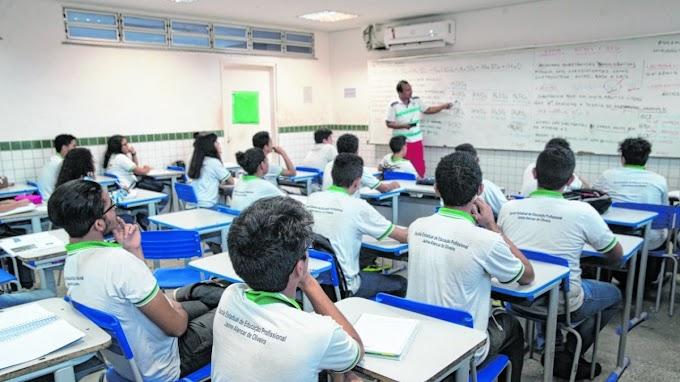 Governo suspende aulas presenciais até maio nas escolas e universidades do Ceará
