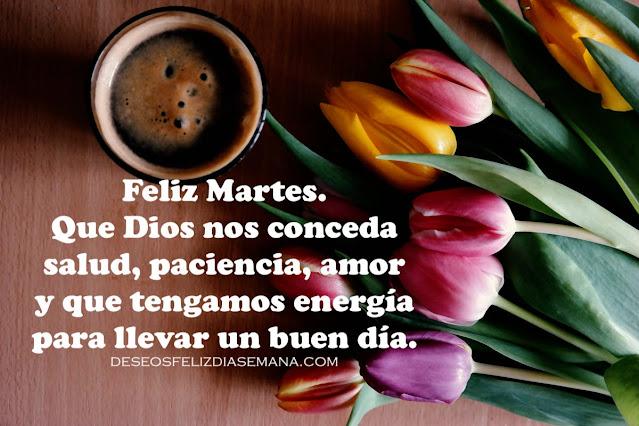 frases lindas cristianas para desear un feliz martes. Imagen con flores, tulipanes y cafe. Buen día
