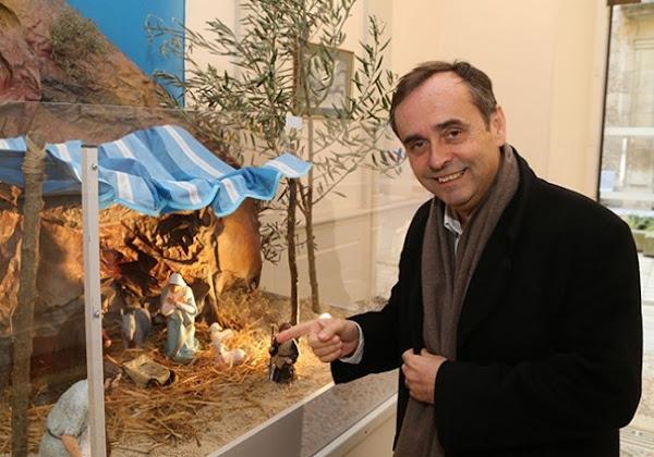 Robert Ménard défie encore la justice et fait installer une crèche de Noël dans la mairie de Béziers