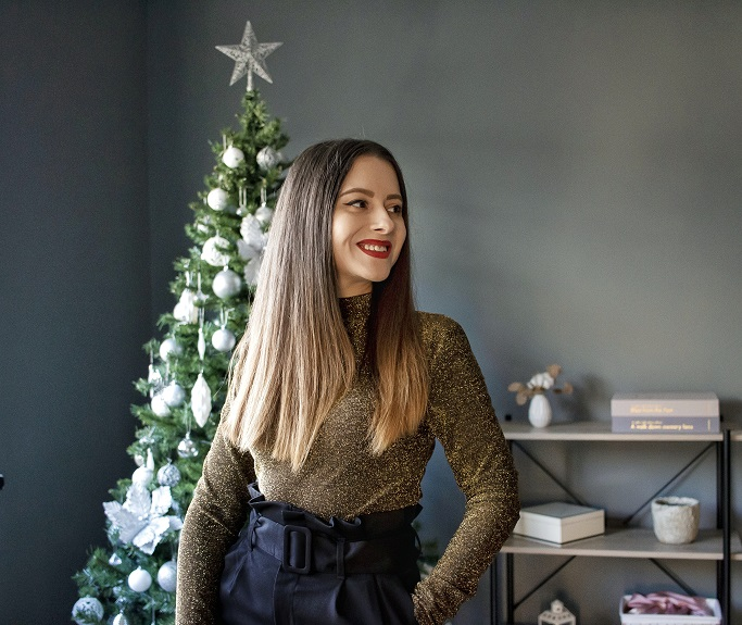 adina nanes christmas look