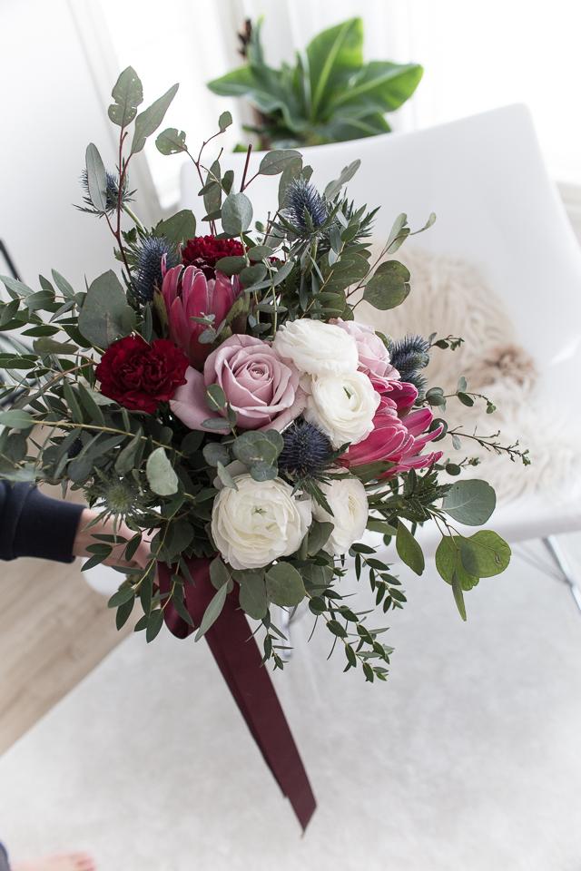 Talvihäät, Villa H, hääkimppu, hääkimpun sitominen, kukat, kukkakimppu