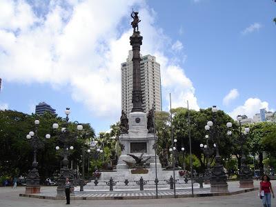 Estátua em homenagem à Independência da Bahia na Praça Campo Grande em Salvador - Bahia