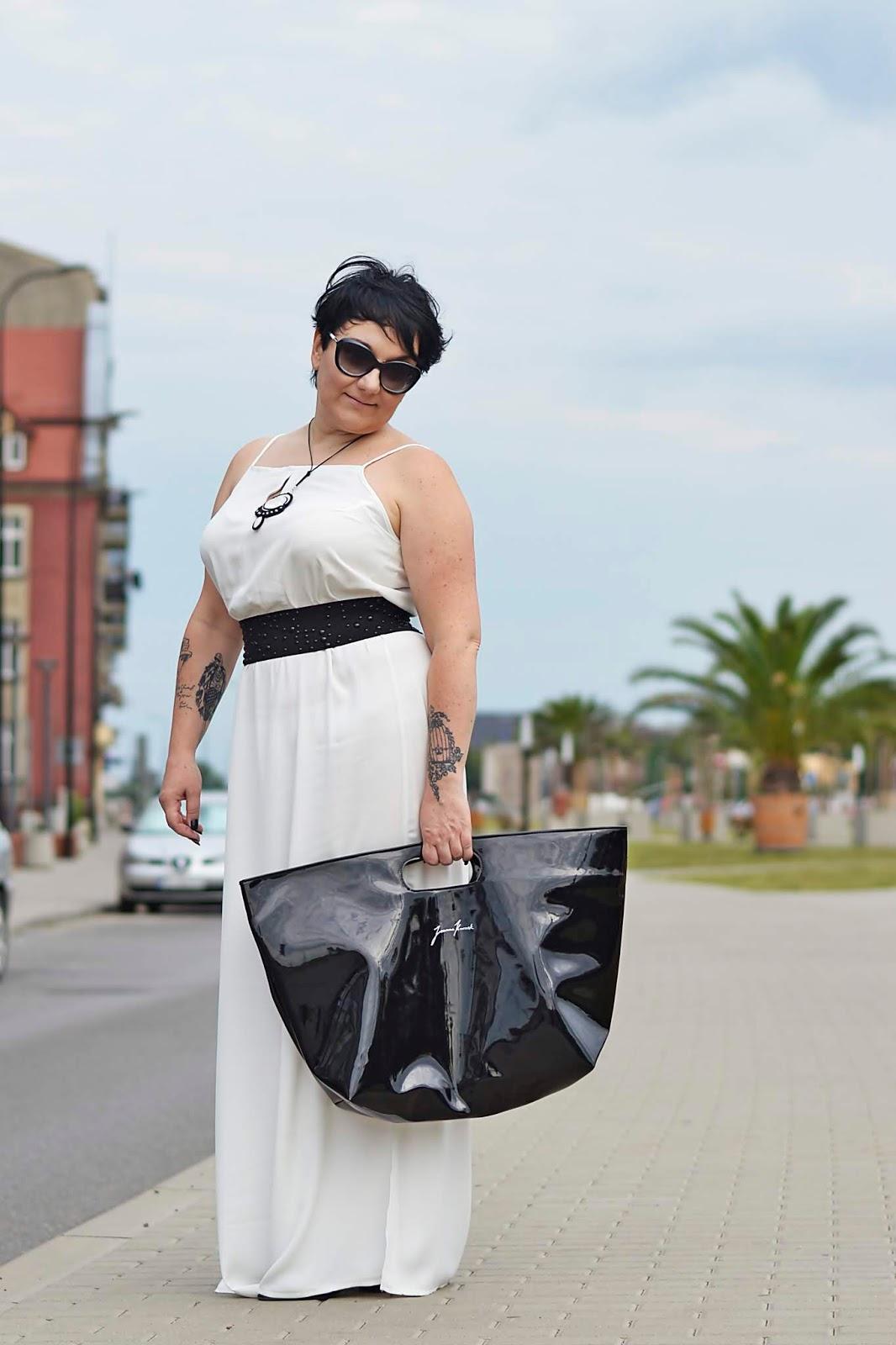 Minimalistyczna Sukienka z rozcięciami   Minimalist Dress with slits