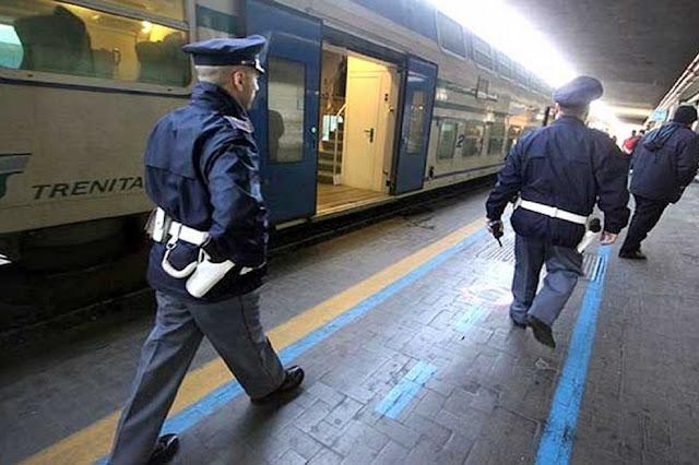 Bagarre alla stazione ferroviaria di Foggia. Un uomo senza fissa dimora minacciava viaggiatori. La Polizia lo blocca e lo arresta
